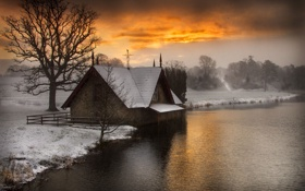 Обои house, river, trees, sunset, winter, snow, fog