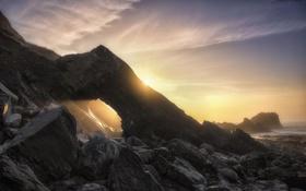 Картинка пейзаж, скалы, берег, рассвет, камни