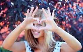 Обои woman, hands, heart-shaped