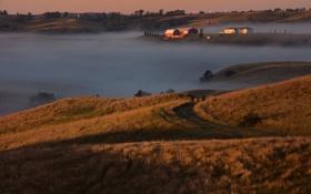 Картинка осень, небо, деревья, закат, туман, дом, холмы