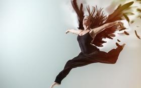 Картинка девушка, прыжок, танец