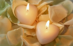 Картинка огонь, розы, свечи, лепестки, сердечко