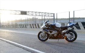Обои небо, солнце, BMW, БМВ, мотоцикл, байк, bike