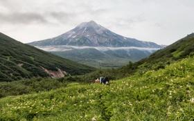 Обои облака, горы, природа, ущелье, Россия, туристы, Kamchatka
