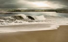 Картинка песок, море, волны, пляж, тучи, непогода, просвет