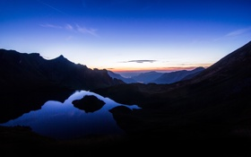 Картинка небо, горы, город, огни, озеро