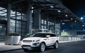 Обои дорога, ночь, город, внедорожник, Range Rover, Evoque 2011