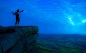 Картинка небо, облака, скала, вид, долина, мужчина