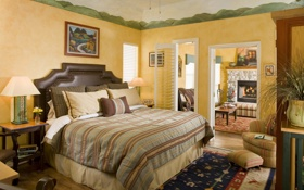 Обои уют, светильники, подушка, столик, ковёр, постель, картина