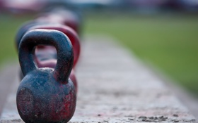 Обои metal, color, kettlebell