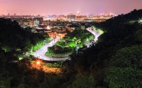 Картинка дорога, небо, деревья, ночь, город, огни, холмы
