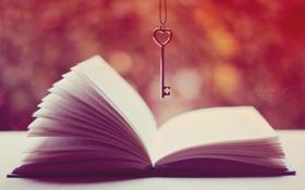 Обои ключ, книга, страницы