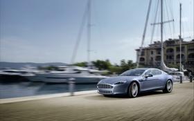 Картинка Aston Martin, Rapide, Причал, Яхты, Машина, Серый, В Движении