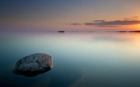 Обои море, вода, гладь, рассвет, камень