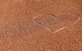 Обои песок, сердце, минимализм
