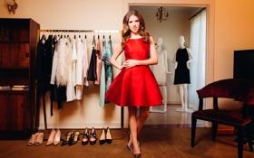 Обои дома, туфли, красное платье, наряды, манекены, Anna Kendrick