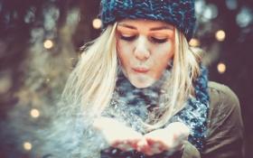 Обои девушка, снег, шапка, блондинка