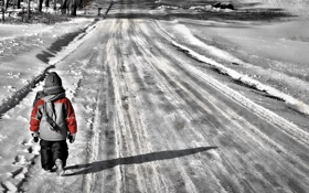 Обои winter, child, walking, Brier, selective color