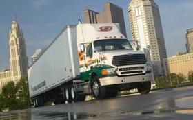 Картинка город, дождь, грузовик, truck, фура, sterling