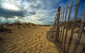 Картинка песок, пейзаж, пляж, забор, море