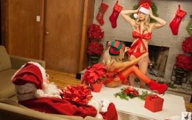 Картинка праздник, рождество, чулки, подарки, блондинки, санта