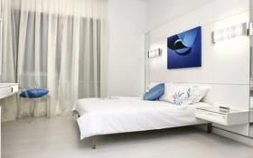 Обои штора, постель, кресло, подушки, комната