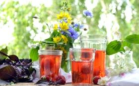 Обои лето, цветы, клубника, стаканы, напиток, компот