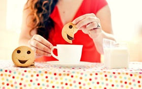 Обои девушка, люди, смайл, печенье, чаепитие