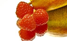 Обои отражение, малина, фон, ягода, фрукт, груша