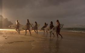 Обои волны, пляж, девушки, океан, доски, серфинг, surfing