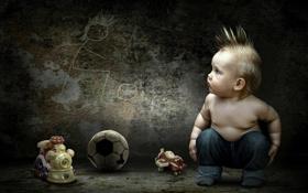 Обои стена, игрушки, рисунок, мяч, мальчик, малыш