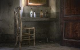Картинка дверь, окно, стул