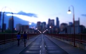 Обои прохожие, фонари, мост, USA - Minneapolis, вечер, размытость