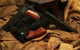 Обои оружие, пистолеты, три, ткань