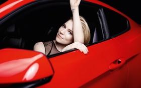 Картинка машина, руки, актриса, блондинка, Sienna Miller, Ford Mustang, красная