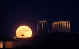 Картинка ночь, колонны, суперлуние