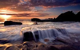 Картинка море, волны, небо, солнце, облака, камни, скалы