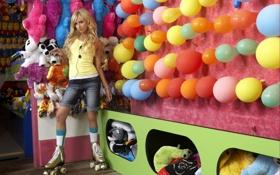 Обои парк развлечений, Эшли Тисдейл, Ashley Tisdale, игрушки, шарики