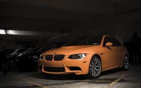 Обои оранжевый, bmw, бмв, купе, тень, парковка, orange