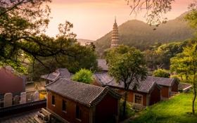 Картинка небо, трава, деревья, улица, дома, холм, Китай