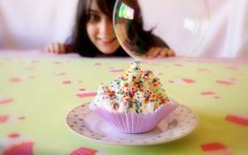 Обои улыбка, праздник, еда, девочка, пирожное, крем, сладкое