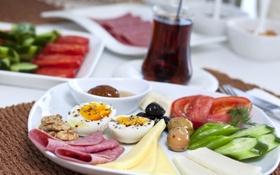 Обои чай, яйца, сыр, тарелка, орехи, помидоры, поднос