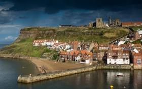 Картинка море, небо, тучи, город, замок, лодка, башня