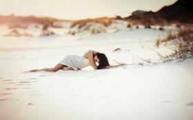 Картинка пляж, девушка, поза