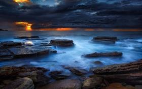 Обои пляж, тучи, океан, скалы, рассвет