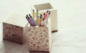 Картинка ручки, подставка, фломастеры