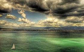 Картинка море, облака, горы, побережье, дома, яхта, Италия