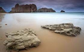 Картинка море, тучи, камни, скалы, берег, вечер