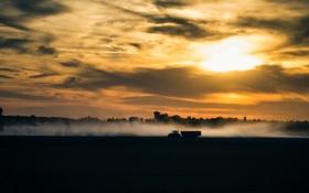 Обои пейзаж, закат, трактор