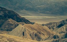 Картинка девушка, горы, природа, пустыня